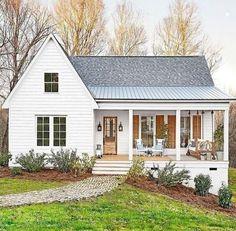 Fabulous Farmhouse Front Porch Decor Ideas