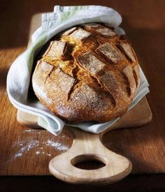 bread w/ towel Slovak Recipes, Czech Recipes, Russian Recipes, Baby Food Recipes, Bread Recipes, Cooking Recipes, Salty Snacks, Fresh Bread, Eat Smarter