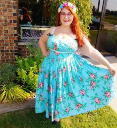 Briana - Sassy Scarlet (@sassyscarletpinup) • Instagram photos and videos Real Women, Scarlet, Plus Size Fashion, Sassy, Strapless Dress, Beautiful Women, Photo And Video, Summer Dresses, Videos