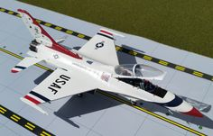 Gemini Aces F-16D Fighting Falcon USAF Thunderbirds #4 Diecast Airplane in 1:72 scale.