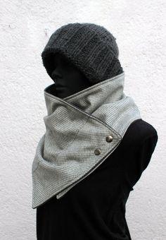 Bufanda para hombre en lana jaspeda gris claro con broches