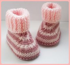 Also requires of wide cotton tape. Baby Booties Knitting Pattern, Knit Baby Shoes, Knit Baby Booties, Booties Crochet, Baby Hats Knitting, Baby Boots, Baby Knitting Patterns, Baby Patterns, Crochet Hats For Boys