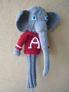 University of Alabama elephant golf head cover. Yarn Projects, Knitting Projects, Red Labradoodle, Alabama Elephant, Golf Headcovers, Team Mascots, Golf Club Head Covers, Golf Clubs, Tejidos