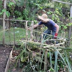How to Build a Super Simple Compost Pile from Local Materials
