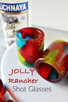 Jolly Rancher Shot Glasses are super easy to make and are blast at your party! New Year's Eve parties, Fourth of July or just a regular party with friends, this DIY party idea will have your guests talking about it forever! Party Drinks, Fun Drinks, Yummy Drinks, Mixed Drinks, Party Desserts, Liquor Drinks, Alcoholic Drinks, Cocktails, Cocktail Recipes