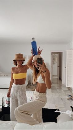 Summer Goals, Summer Time, Surfergirl Style, Foto Best Friend, Mode Outfits, Fashion Outfits, Shotting Photo, Mode Ootd, Summer Aesthetic