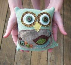 Reclaimed sweater owl!