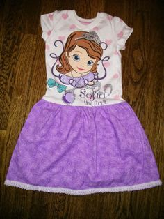 Purple Sophia the First toddler t-shirt dress size 4T trimmed with lace