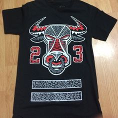 T shirt Chicago Bulls, 23 t shirt with the Bulls logo on it. Tops Tees - Short Sleeve