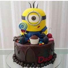 Adorei esse bolo Minions, lindo e delicioso! Por @tbcakeandsweet  #kikidsparty