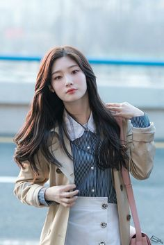 Kpop Girl Groups, Korean Girl Groups, Kpop Girls, South Korean Girls, Jung Chaeyeon, Kim Chungha, Idole, Beautiful Asian Women, Ulzzang Girl