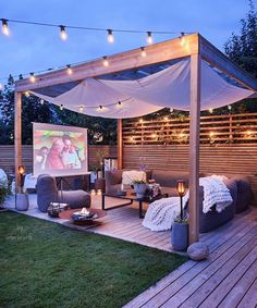 Comfortable Backyard Movie Theater Ideas - Unique Balcony Garden Decoration and. - Comfortable Backyard Movie Theater Ideas – Unique Balcony Garden Decoration and Easy DIY Ideas Yo - Outdoor Cinema, Outdoor Theater, Backyard Patio Designs, Backyard Landscaping, Backyard Decorations, Backyard Movie Theaters, Backyard Movie Screen, Outdoor Movie Screen, Outdoor Movie Nights