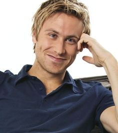 Russell Howard  what a gorgeous (hilarious) British man