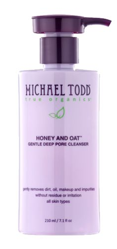 The Honey Oat Facial Wash begins with a base of organic aloe vera juice and finishes with oats, honey and lemon-sweet gel to remove your makeup while cleansing your face all in one go. Leaves skin hydrated, cleansed and refreshed, with no residue or over-drying. The tearless, sulfate-free formula will never irritate your eyes. Formulated for all types of skin, particularly normal, dry and mature skin types. 210 ml / 7 fl oz. http://www.zocko.com/z/JEUFC