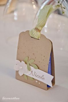 Ideenreichtum: Getting married - Teil 3 Craft Gifts, Diy Gifts, Art Party Cakes, Wedding Favors, Party Favors, Diy And Crafts, Paper Crafts, Gift Wraping, Creative Gift Wrapping
