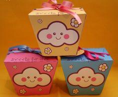 Fofíssimas caixinhas para doces com o tema NUVEM, ótimas para festinhas infantis Moldes: Pink: http://www.simplynabiki.com/party/...