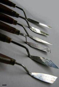 Painting knife or palette knife - Image: © 2008 Marion Boddy-Evans. Licensed to About.com, Inc
