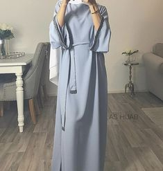 Discover recipes, home ideas, style inspiration and other ideas to try. Modest Fashion Hijab, Modern Hijab Fashion, Hijab Casual, Hijab Fashion Inspiration, Abaya Fashion, Mode Inspiration, 80s Fashion, Fashion Outfits, Modest Outfits Muslim