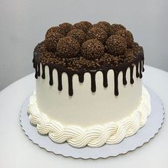 Chocolate Work, Chocolate Drip Cake, Bithday Cake, Baby Birthday Cakes, Birthday Cake Decorating, Cake Decorating Tips, Fancy Cakes, Mini Cakes, Easy Birthday Cake Recipes