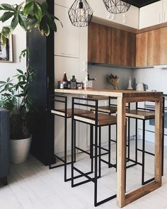 Any style goes in kitchen design - inspiration is limitless Small Apartment Interior, Condo Interior, Small Apartment Kitchen, Home Decor Kitchen, Apartment Design, Kitchen Interior, Home Interior Design, Home Kitchens, Loft Kitchen