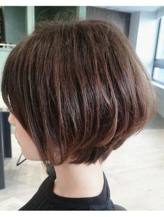 Pin on 髪型 Short Hairstyles Fine, Short Bob Haircuts, Pretty Hairstyles, Love Hair, Gorgeous Hair, Medium Hair Styles, Short Hair Styles, Pelo Bob, Short Hair Cuts For Women