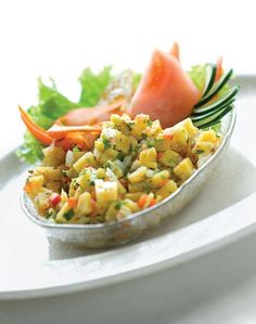An irresistible plantain ceviche. 16 Delicious Plantain Recipes That Will Make Your Life Better Plantain Recipes, Banana Recipes, Veggie Recipes, Cooking Recipes, Healthy Recipes, Pastelon Recipe, Plantain Fritters, Boricua Recipes, Colombian Food