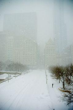 snowy town: Monroe Street, Chicago, USA | winter . Winter . hiver | Photo: Jason Walley |