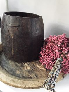 oude nepalese pot/vaas 29,95/ platte houten schaal 54,95