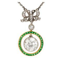 Belle Epoque diamond and emerald pendant in platinum and yellow gold Emerald Pendant, Gold Pendant, Pendant Necklace, Diamond Pendant, Gold Necklace, Diamond Bows, Emerald Diamond, Unusual Jewelry, Antique Jewelry
