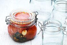 Oλόκληρες ντομάτες σε βάζα / Κονσερβοποίηση & Aποστείρωση Sweet Sauce, Pickles, Cucumber, Recipies, Vegetables, Easy, Tomatoes, Food, Spreads
