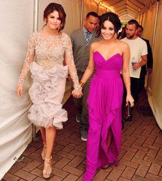 Selena Gomez and Vanessa Hudgens - I love the dresses xoxo Chiffon Evening Dresses, Chiffon Gown, Prom Dresses, Wedding Dresses, Dress Prom, Short Dresses, Bridesmaid Dresses, Selena Gomez, Celebrity Dresses