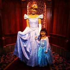 #Cinderella #ilovecinderella #glassslipper #sothisislove #myprincess #lovemydaughter #royalhall #disneylandcalifornia #Disneyland #disney #ilovedisney #waltdisney by carolmode81