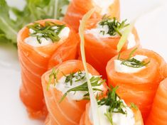 Who needs a bagel? This better-for-you Keto-approved mini meal features cream cheese and dill nestled within delicious smoked salmon slices. Salmon Roll, Keto Salmon, Salmon Sushi, Sushi Recipes, Salmon Recipes, Appetizer Recipes, Keto Recipes, Appetizer Party, Healthy Recipes