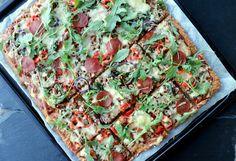 Heimelaga, sunn pizza med proteinrik havrebunn - LINDASTUHAUG Overnight Oats, Low Salt Recipes, Vegetable Pizza, Risotto, Food And Drink, Gluten Free, Vegetables, Cooking, Healthy