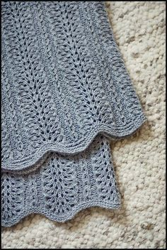 easiest lace stitch ever: Old Shale (Feather and Fan) love it in this pale gray