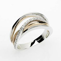 Wedding Bands for Women with Memorable Details