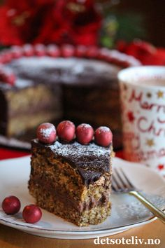 Nøttekake med sjokolade og kanel | Det søte liv Vegan Vegetarian, Vegetarian Recipes, Delish, Veggies, Baking, Desserts, Almonds, Food, Tailgate Desserts