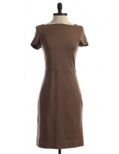 Check it out! Banana Republic, Size 6. Priced at $24.95.
