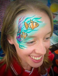 2 Clown fish in the reeds Shark Face Painting, Mime Face Paint, Face Painting Tips, Belly Painting, Face Painting Designs, Painting For Kids, Mermaid Face Paint, Mermaid Makeup, Le Face