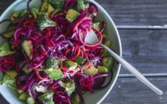 {Spiralized salad with beetroot, broccoli + avocado}