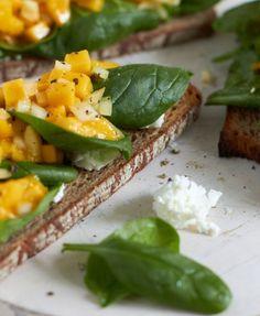 Spinat Mango Ziegenkäse Bruschetta tastesheriff.com