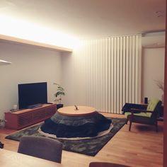 yu3koさんの、宮崎椅子製作所,ミニマリスト,観葉植物,無印良品,シンプル,シンプルライフ,無垢の床,こたつ,グリーンのラグ,部屋全体,のお部屋写真