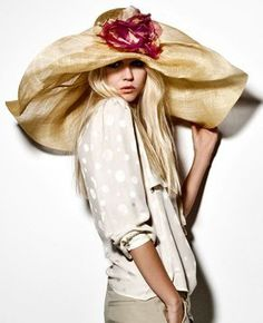 Marzi Firenze - 2012 Spring/Summer Collection.  Now that's a garden party hat!