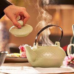Tea Pots, Kitchen Appliances, Link, Tableware, Interior, Instagram, Design, Elegant Dining Room, Time Out