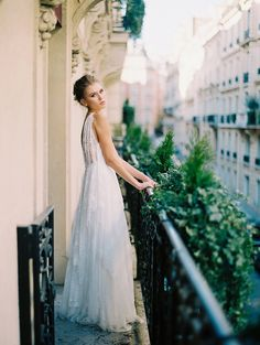 Photography : Katie Stoops Photography Read More on SMP: http://www.stylemepretty.com/2016/02/05/luxurious-parisian-wedding-inspiration/