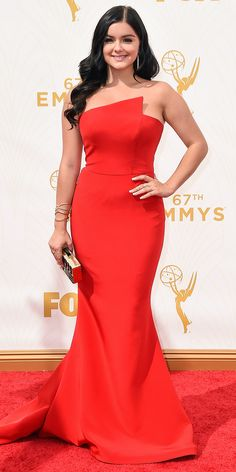 Emmys 2015 Red Carpet Arrivals - ARIEL WINTER Ariel Winter in Romona Keveza and Anne Sisteron earrings.