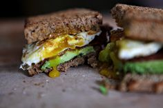 Bacon Egg and Avocado Sandwich Sandwiches & Burgers Healthy Sandwich Recipes, Healthy Sandwiches, Whole Food Recipes, Avocado, Dinner Sandwiches, Eat Pretty, Piece Of Bread, Bacon Egg, Diet And Nutrition