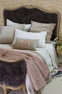 Bloom petal comforter I like the velvet bed headboard Decor, Furniture, Beautiful Bedrooms, Home, Home Bedroom, Bedroom Design, Bedroom Inspirations, Home Deco, Bed