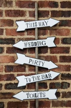Vintage Wegweiser // wedding vintage signs by Design-Grusskarten via DaWanda.com