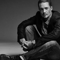 Alexander Dreymon - the striking Viking.